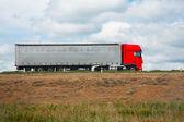 Camión va en el camino — Foto de Stock