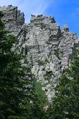 Roca contra el cielo — Foto de Stock