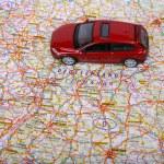 ヨーロッパ地図と車 — ストック写真