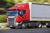 Vrachtwagen transports vracht — Stockfoto