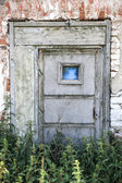 Door and wall of the old building — Stock Photo