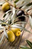 Olives over Wooden Background — Stock Photo