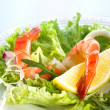 Prawn salad. Healthy Shrimp Salad with mixed greens — Stock Photo