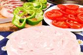 テーブルの上に食べ物 — ストック写真