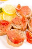 Еда лосося — Стоковое фото