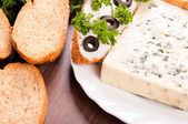Bread and blue cheese — Stock Photo