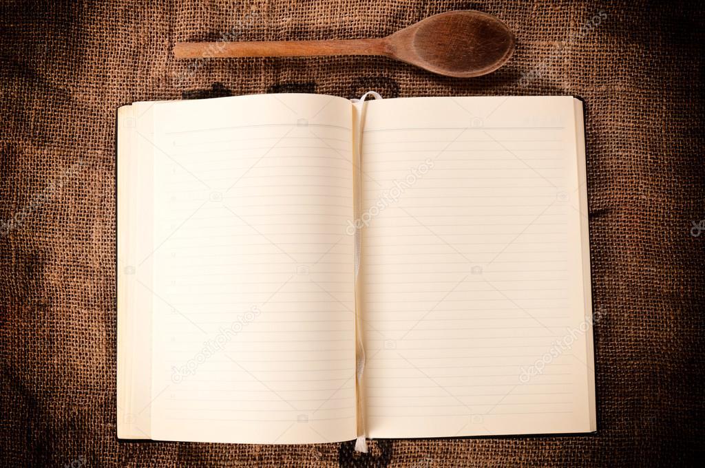 Livre de recettes vierge photographie uroszunic 27719129 - Livre de cuisine vierge ...