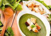 原料及准备菠菜 — 图库照片