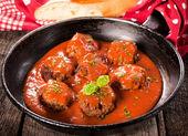 Starý pan a maso koule — Stock fotografie