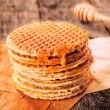 Honey and pancakes — 图库照片