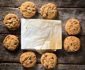 张空白的纸和饼干 — 图库照片