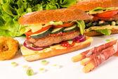 Sándwich de hamburguesa grande stuffet — Foto de Stock
