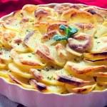 Baked potato on musaka — Stock Photo #45988329