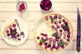 Homemade tart with strawberries — Stock Photo