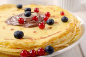Berry and pancakes — Stock Photo