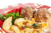 Meatballs with potatoes — Stock Photo