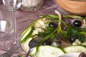 桌上的鲱鱼在土豆 — 图库照片
