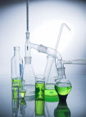 白で研究室のガラス — ストック写真