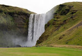 Iceland - Southern Iceland - waterfall Skogafoss — Stock Photo