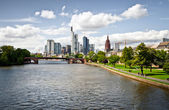 Panoroma of the new district in Frankfurt with luxury apartments near river — Stock Photo