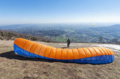 Paraglider take-off — Stock Photo