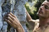Man klettert auf kalkstein — Stockfoto
