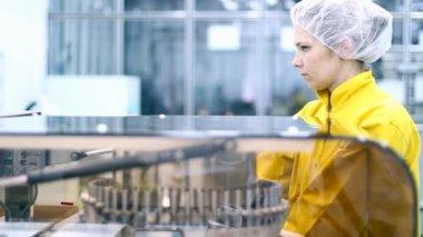 Farmaceutische industrie — Stockvideo