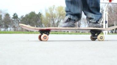 Skateboarder Performing Tricks — Stock Video