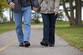 Mature couple walking — Stock Photo