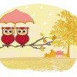 Owls couple under umbrella, autumn rainy day — Stock Vector