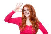 молодые, улыбаясь портрет рыжая женщина изолированных выражения — Стоковое фото