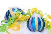 Adornos de decoración de navidad en azul y turquesa aislado — Foto de Stock