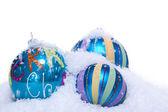 Kerstballen decoratie in blauw en turquoise geïsoleerd — Stockfoto