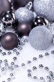 Glitter stříbrný vánoční ozdoby dekorace svátky, samostatný — Stock fotografie