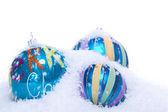 Dekoration julgranskulor i blått och turkos isolerade — Stockfoto