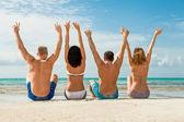 Young happy friends havin fun on the beach — Foto de Stock