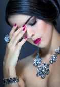 Beautiful sophisticated woman — Stock Photo