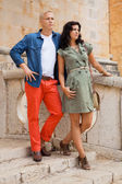 Young attractive couple in summer fashion — Foto de Stock