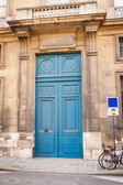 Exterior of a historical townhouse in Paris — Stock Photo