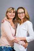Smilling mother and daughter — Stockfoto