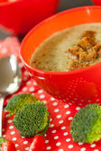 Bowl of chili pepper and broccoli soup — Stock Photo