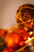 Warm gold and red Christmas candlelight background — Foto de Stock