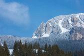 Panorama di picchi montano nella stagione invernale — Foto Stock