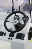 Bateaux à moteur de direction — Photo