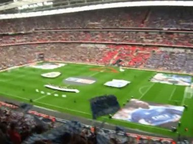 Supporters at the English F.A. Cup in Wembley 2008 — Stock Video