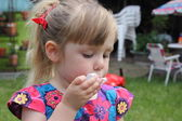 Blowing bubbles — Stock fotografie