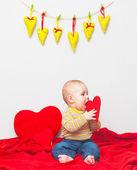 甜美的小男孩的心 — 图库照片