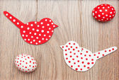 Red egg with wood birds — Stock Photo