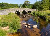 Postbridge antico batacchio ponte dartmoor national park devon inghilterra regno unito — Foto Stock
