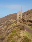 South West Coast Path Cornwall England UK with a tin mine near St Agnes Beaco — Stock Photo